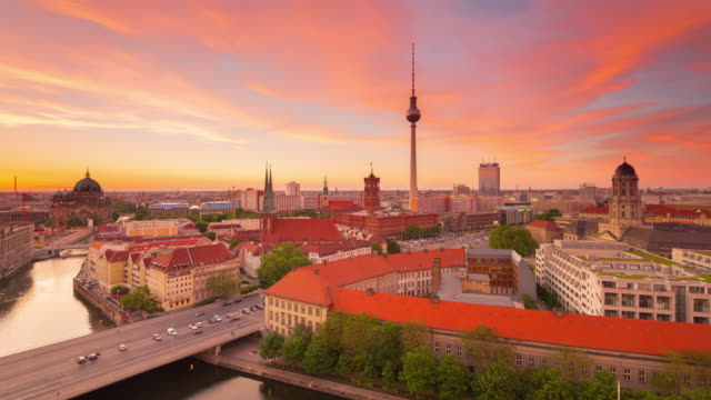 berlin summer skyline timelapse from day to night with traffic lights and dynamic sunset sky - establishing shot stock videos & royalty-free footage