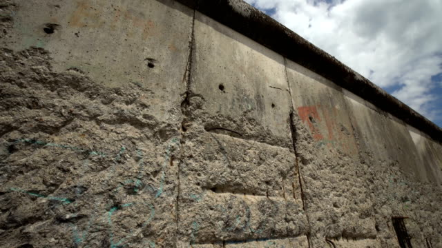 berlin wall, panning - surrounding wall stock videos & royalty-free footage