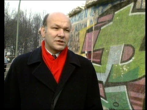 berlin wall reaction to border opening west germany west berlin ext walter momper interview sot - westberlin stock-videos und b-roll-filmmaterial
