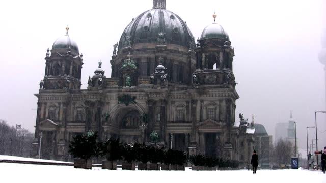 Berliner Dom during snow storm