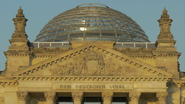 berlin,reichstag building, cu - cupola video stock e b–roll