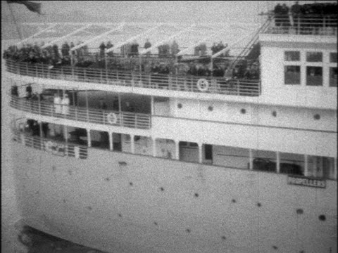 B/W 1929 PAN S.S. Bermuda ocean liner leaving port / home movie