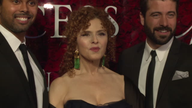 bernadette peters and broadway boys at 2019 princes grace awards gala at the plaza hotel 5th avenue on november 25 2019 in new york city - バーナデット ピータース点の映像素材/bロール