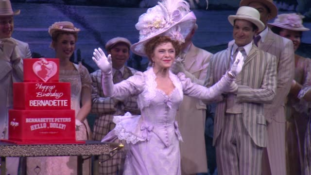 """bernadette peters at bernadette peters celebrates birthday onstage at broadway's """"hello dolly"""" on broadway on february 28 2018 in new york city - バーナデット ピータース点の映像素材/bロール"""