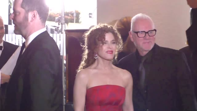 bernadette peters malcolm mcdowell outside the golden globe awards at beverly hilton hotel in beverly hills in celebrity sightings in los angeles - バーナデット ピータース点の映像素材/bロール