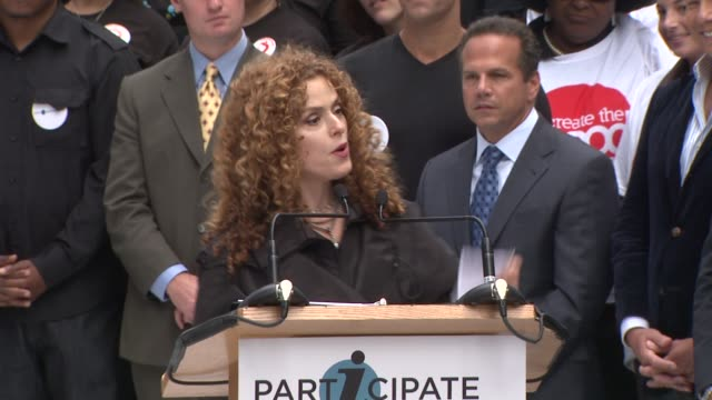 bernadette peters talks about participating on this very unique effort at the entertainment industry foundation announces two major volunteer... - バーナデット ピータース点の映像素材/bロール