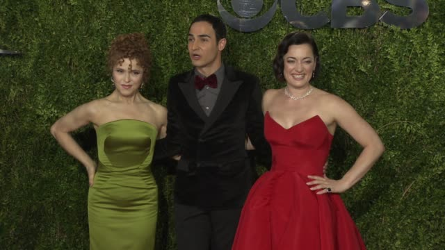 bernadette peters zac posen and laura michelle kelly at 2015 tony awards arrivals at radio city music hall on june 07 2015 in new york city - バーナデット ピータース点の映像素材/bロール