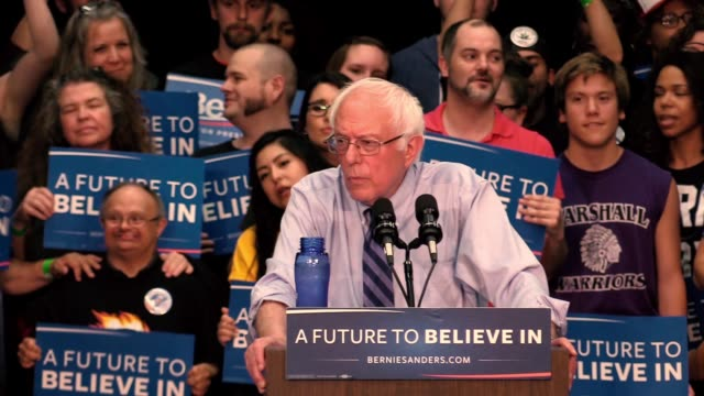 vídeos de stock, filmes e b-roll de bernie sanders addresses a large audience of supporters during a campaign rally at the century center in south bend ind before the indiana primary... - bernie sanders