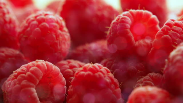 stockvideo's en b-roll-footage met berries raspberry - sappig