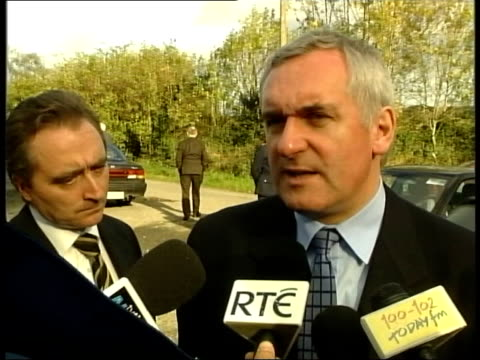 bertie ahern speaking to press sot people should allow the institutionto do the job it was elected to do t04110109 - bertie ahern stock videos and b-roll footage