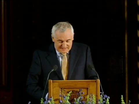 vídeos y material grabado en eventos de stock de bertie ahern speech to uk houses of parliament; bertie ahern speech sot - two generations later, parnell and his colleagues used their disciplined... - new age