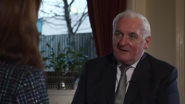 bertie ahern talking about how the uk has influenced the eu during its membership - politik und regierung stock-videos und b-roll-filmmaterial