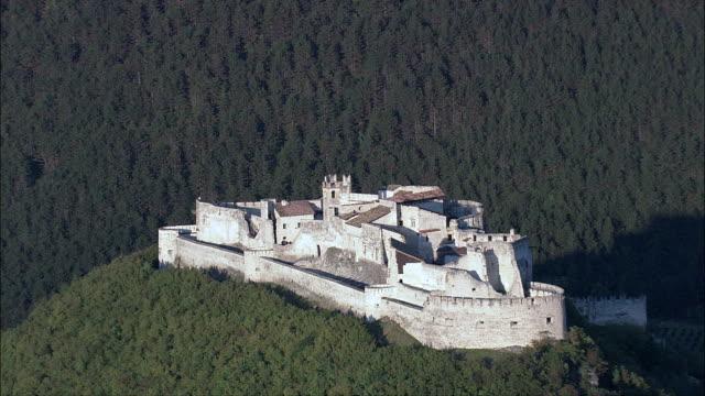 Beseno Castle-Luftaufnahme-Trentino-Südtirol, Trento, Besenello, Italien