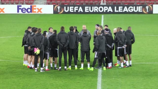 vídeos y material grabado en eventos de stock de besiktas players attend a training session led by head coach senol gunes the day before the uefa europa league round of 32 first leg soccer match... - senol guenes