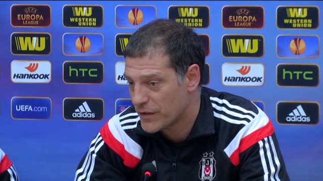 vídeos y material grabado en eventos de stock de besiktas's head coach slaven bilic speaks during a press conference in istanbul turkey on march 18 2015 one day before the second leg of the uefa... - unión europea de las asociaciones nacionales