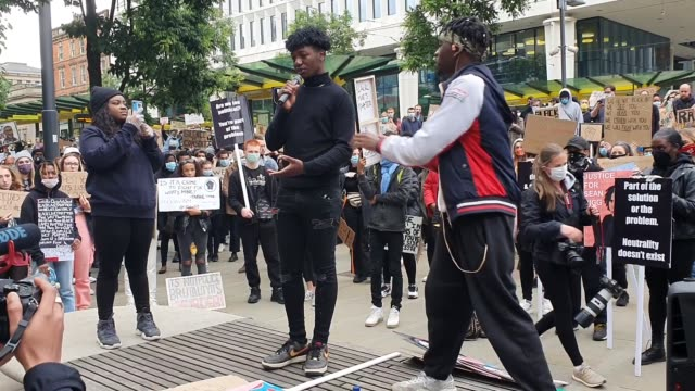 best audio available. a young man speaks about the death of george floyd at the black lives matter protest in manchester on sunday. - audio available bildbanksvideor och videomaterial från bakom kulisserna