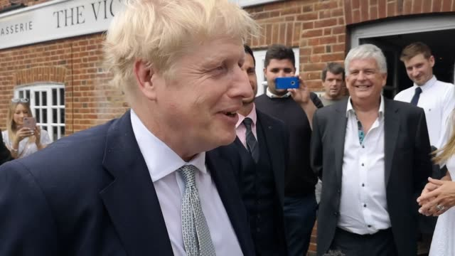 best audio available. tory leadership hopeful boris johnson refuses to answer a question regarding when the controversial picture of him and his... - audio available stock-videos und b-roll-filmmaterial