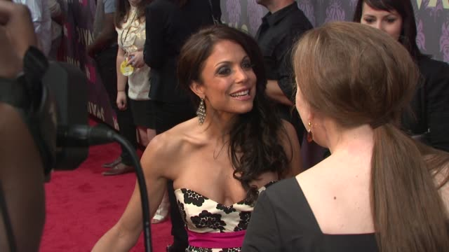 bethenny frankel at the 2009 vh1 divas red carpet at new york ny - vh1 divas stock videos and b-roll footage