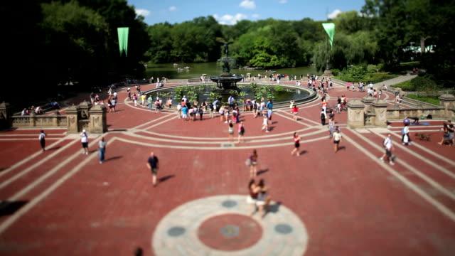 vídeos de stock e filmes b-roll de fonte bethesda, central park, nova iorque - fonte bethesda