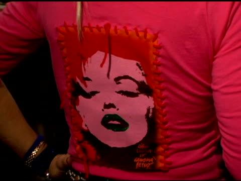 betsey johnson at the olympus fashion week fall 2006 betsey johnson backstage and runway at the promenade, bryant park in new york, new york on... - オリンパスファッションウィーク点の映像素材/bロール