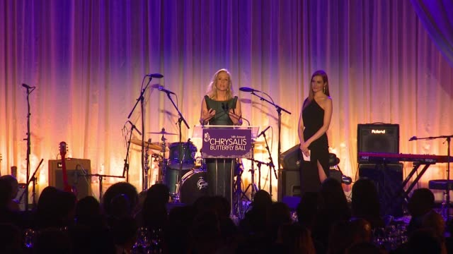 speech betsy beers at 14th annual chrysalis butterfly ball in los angeles ca - chrysalis butterfly ball video stock e b–roll