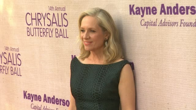 betsy beers at 14th annual chrysalis butterfly ball in los angeles ca - chrysalis butterfly ball video stock e b–roll