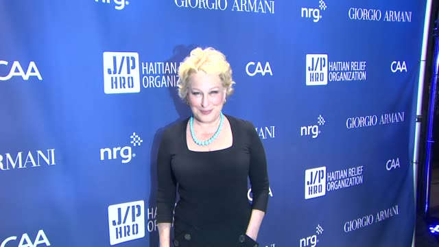 vidéos et rushes de bette midler at 3rd annual sean penn friends help haiti home gala presented by giorgio armani to benefit j/p haitian relief organization on at... - bette midler