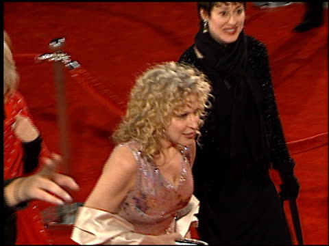 vidéos et rushes de bette midler at the 2001 people's choice awards at the pasadena civic auditorium in pasadena california on january 7 2001 - bette midler
