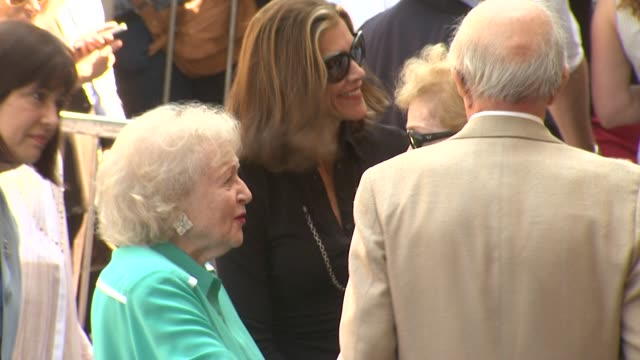 betty white and wendie malick at valerie bertinelli honored with star on the hollywood walk of fame on 8/22/12 in hollywood, ca. - wendie malick stock videos & royalty-free footage