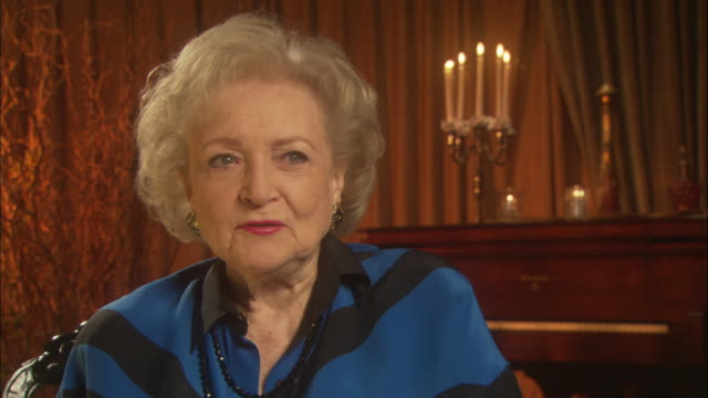 betty white on her 'the golden girls' costars - relationship difficulties stock videos & royalty-free footage