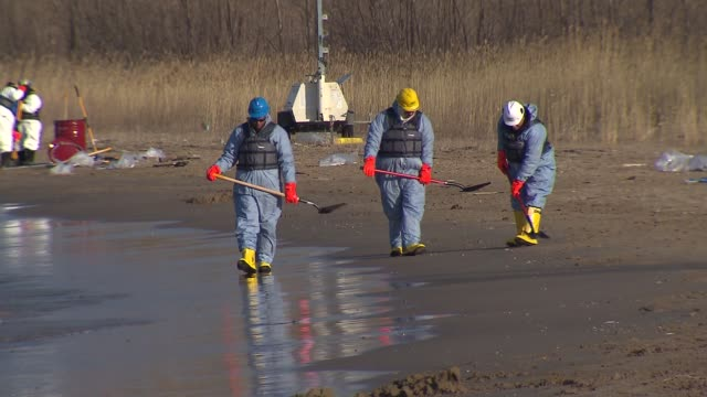 WGN Between nine and 18 barrels of crude oil spilled into Lake Michigan after a malfunction at a BP Refinery on March 25 2014 in Whiting Indiana The...