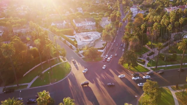 vídeos de stock e filmes b-roll de beverly hills at sunset - aerial view - beverly hills