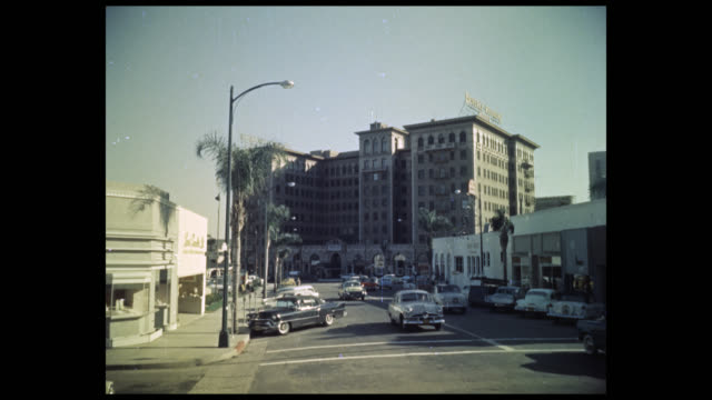 vidéos et rushes de 1956 beverly wilshire hotel, los angeles - beverly hills california