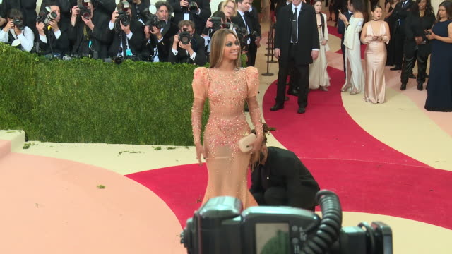 beyoncé at manus x machina fashion in an age of technology costume institute benefit gala arrivals at metropolitan museum of art at the metropolitan... - beyoncé knowles stock videos & royalty-free footage