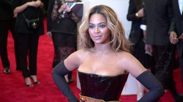 beyonce at punk chaos to couture costume institute gala at metropolitan museum of art on may 06 2013 in new york new york - beyoncé knowles stock videos & royalty-free footage