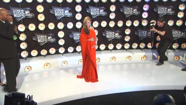 beyonce at the 2011 mtv video music awards at los angeles ca - beyoncé knowles stock videos & royalty-free footage
