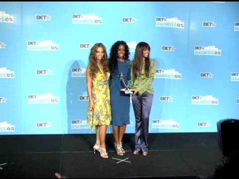 beyonce, kelly rowland and michelle willams of destiny's child at the 2005 bet awards press room at the kodak theatre in hollywood, california on... - bet awards bildbanksvideor och videomaterial från bakom kulisserna