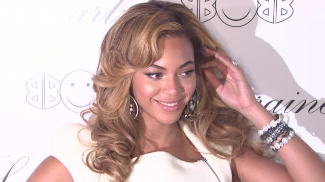 beyonce knowles at the beyonce knowles hosts the launch event for the lorraine schwartz '2bhappy' jewelry collection red carpet at new york ny - beyoncé knowles stock videos & royalty-free footage