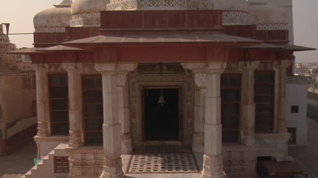 stockvideo's en b-roll-footage met ms, td, bhandaser jain temple, bikaner, rajasthan, india - rond de 15e eeuw