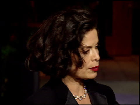 stockvideo's en b-roll-footage met bianca jagger at the 1998 academy awards vanity fair party at morton's in west hollywood california on march 23 1998 - 70e jaarlijkse academy awards