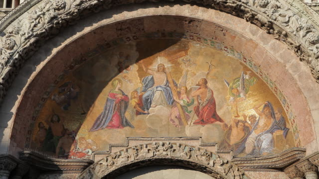 mh ld biblical scene painted on wall of basilica san marco / venice, italy - religiöse darstellung stock-videos und b-roll-filmmaterial