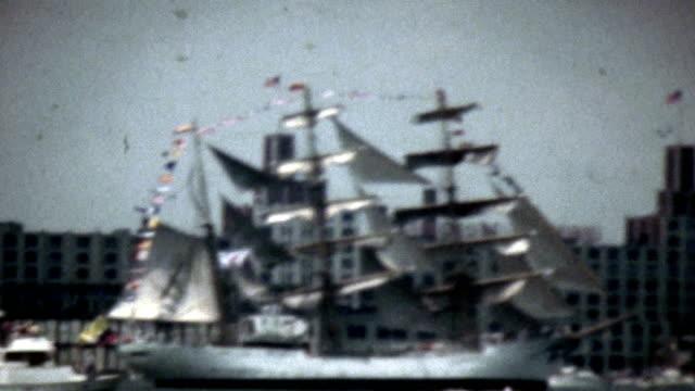 bicentennial parade of tall ships new york harbor - 1976 bildbanksvideor och videomaterial från bakom kulisserna