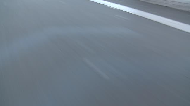 pov cu ha bicycle lane, new york city, new york, usa - asphalt stock-videos und b-roll-filmmaterial