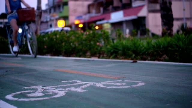 vidéos et rushes de piste cyclable  - roue