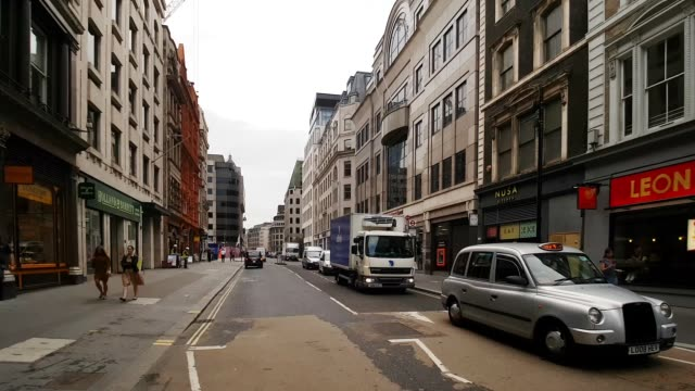 bicycle ride in london cannon street to the east - point of view stock videos & royalty-free footage