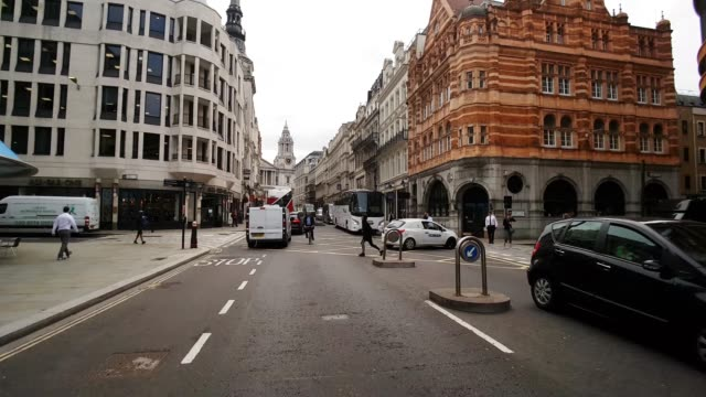 bicycle ride in london ludgate hill - double decker bus stock videos & royalty-free footage