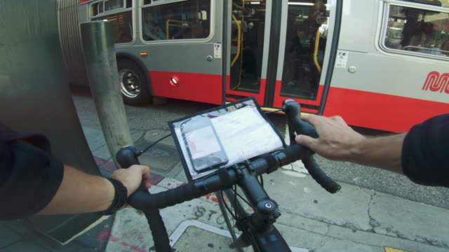 pov bicycle riding: bike messenger with road racing bike in san francisco - delivery person stock videos & royalty-free footage