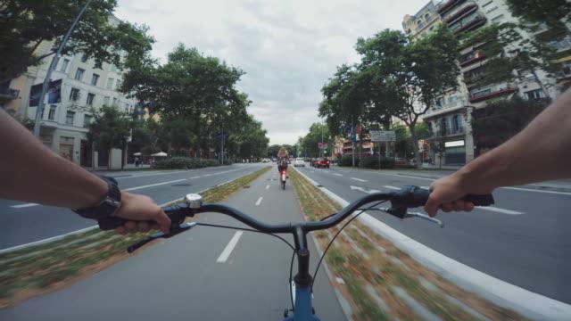 Bicyclette POV dans la ville, Barcelone, Espagne