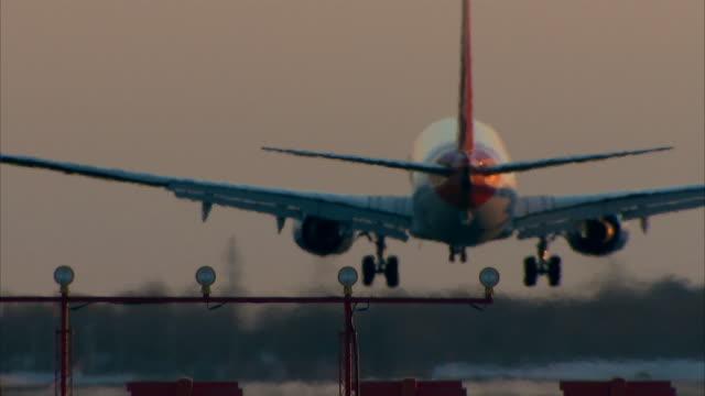 Grande Avião a pousar Close-Up