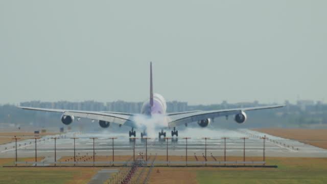 big airplane landing - landing touching down stock videos & royalty-free footage
